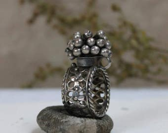 Antique ring from Rajasthan | Vintage poison ring | Statement Rajput silver jewellery | Tribal Ethnic Jewellery | Collectible C.1900s