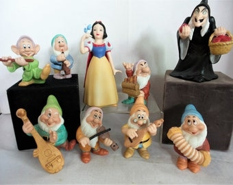 Vintage Disney Snow White and the 7 Dwarfs and the Apple Hag
