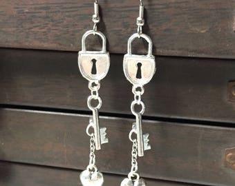 Silver lock and key earrings - Lock and key dangles -silver Pad lock - Gothic lolita - key to my heart - victorian earrings - sweetheart