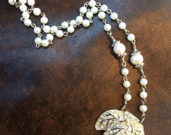 Rhinestone Leaf and Pearl Necklage