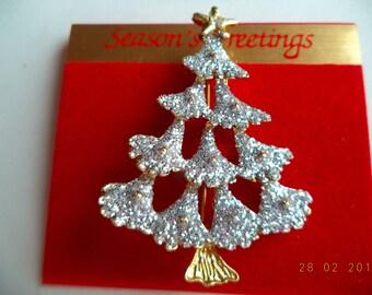 Vintage Unsigned Goldtone/Sparkling Christmas Tree Brooch/Pin