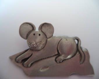 Fabulous Signed Mali Silvertone Mouse on Cheese Brooch/Pin