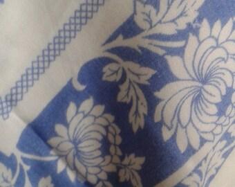 Chrysanthemum Flowers Vintage Tablecloth