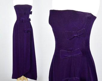 XS Frank Usher Purple Formal Dress Off Shoulder Strapless Velvet Dress with Train Vintage 1960s 60s Glamorous Elegant