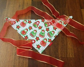 Babushka baby bib - christmas baby gift - matryoshka bandana scarf - red and green and white baby cloth - red and white baby scarf bib
