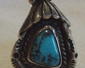 Fabulous Vintage NAVAJO Hand-Stamped Sterling Silver & TURQUOISE RING, size 6.75