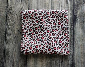 Cheetah swaddle blanket/ Baby girl swaddle/ Baby girl blanket/ Newborn swaddle/ Baby shower gift/ Baby girl gift/ Animal print swaddle