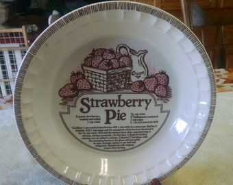 "royal china jeannette 10 1/2"" crimped recipe strawberry pie dish"