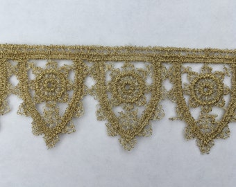 "Gold Tudor Style Pointed Scallop Lace for Renaissance/Elizabethan Reenactment, 1 1/4"" (32mm) - sold by the half yard"