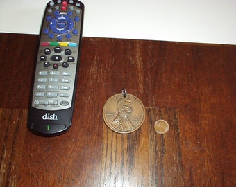 "Vintage 1995-D LINCOLN Head 2"" Giant Metal or Copper Penny CHARM for Necklace or Collection - Rare, very Nice Novelty"
