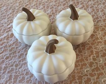 Set of 3 White Pumpkin Mini Casserole dishes