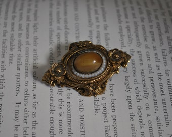 Vintage Glass Cabochon Brooch - 1950s Pin, Repousse Flowers, Pearls