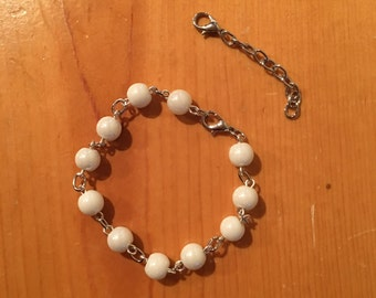Bracelet. White Glass Beads. Silver Chain. Extension Included.