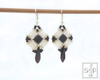 """MaterialKIT  earrings """"True Turn""""  black/white"""