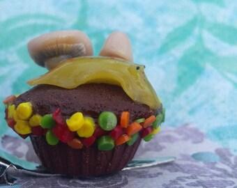 Snail cupcake hair clip
