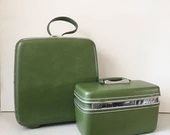 Vintage Avacado Green Train Case - Luggage Set - Overnight Bag - Suitcase - Cosmetic Case