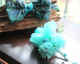 bow tie with matching boutonniere in mint