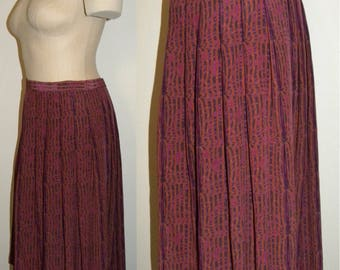 "1980's 80s Pleated SILK Skirt / Classic below knee Modest / Purple with Print / Vintage / 29"" waist"