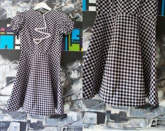 70s Vintage Mini dress. Xs size twiggy style dress.