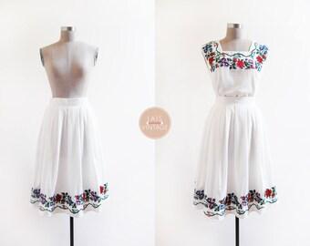 Jour de Floraison Skirt | white cotton cross stitch needlepoint skirt