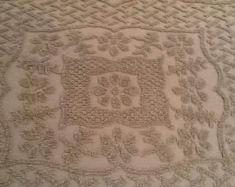Olive green full size chenille bedspread coverlet