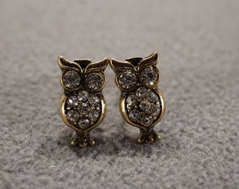 Vintage Art Deco Style Yellow Gold Tone Owl Rhinestone Stud Style Post Style Pierced Earrings Jewelry -K#43