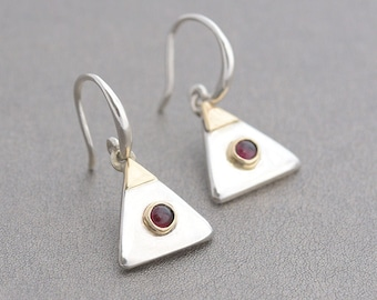 Pyramid Inspired Silver Earrings with Garnet, Garnet Earrings, Sterling Silver Earrings Triangle Shape, January Birthstone Garnet Earrings