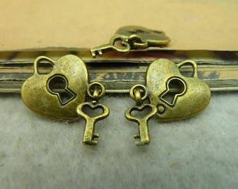 15pcs 14*15mm Antique bronze Cute love Key Charm Pendant