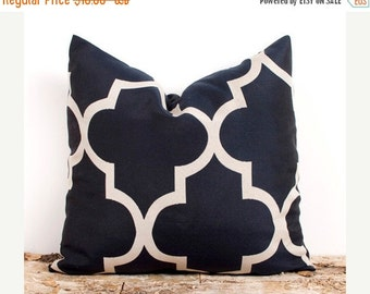SALE ENDS SOON Navy Blue and Cream Quatrefoil Pillow Case, Pillow Covers, Modern Fabric Pillows, Sizes 16 18 20 22