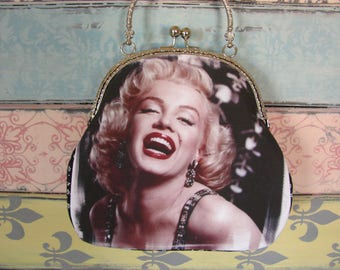 Vintage evening clutch purse with Marilyn Monroe, kiss lock purse, metal frame purse, purse with handle
