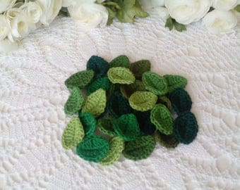 30 Crochet Leaves in green tone colors - 1 1/2 inch or 3,7 cm