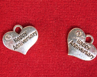 """5pc """"Happy Anniversary"""" charms in antique silver style (BC1134)"""