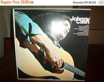 Save 30% Today Vintage 1969 Vinyl LP Record This Is Johnny Cash Very Good Condition 7078