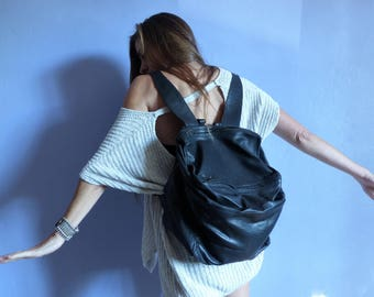 Backpack cube in black leather, multipoches