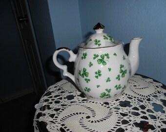 Lefton Irish Clover Musical Teapot