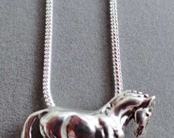 Sterling Silver Trotting Horse Pendant On Sterling Silver Chain / Mint