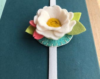 Felt flower bookmark, bookmark, journal, summer reading, bookworm, felt flowers, birthday gift, gift, teacher gift