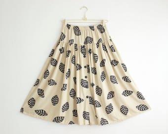 Vintage Midi Skirt, Buttoned Summer Skirt, Elastic Waist Boho Skirt, Leaf Print Jersey Skirt Size Medium