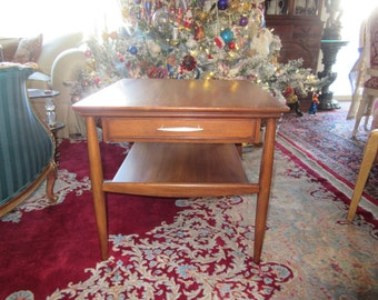 MID CENTURY HEKMAN End Table