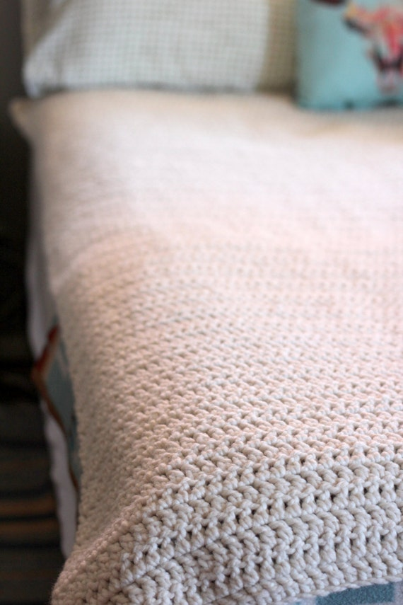 Knitting Pattern Queen Size Blanket : Items similar to Huge Crochet Blanket, Queen Size Crochet Blanket, Chunky Kni...