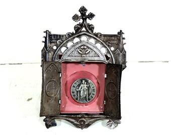 French Vintage Virgin Mary Travel Shrine/Framed Virgin Mary Medallion With Doors/Vintage Travel Shrine/Notre Dame Du Bon Port/Virgin Mary