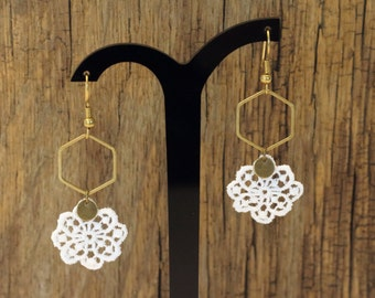 """Api"" brass and Flower Earrings lace"