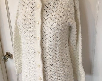 Vintage Cream Cardigan. Women's size Medium. Preppy. Hipster. Grandpa Sweater. Amarette Exclusive. Button Down Sweater. Extra long