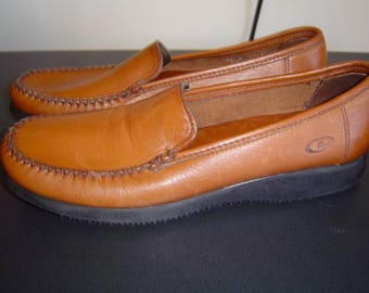REDUCED Dexter women's brown leather loafers flats slip on mocassin shoes size 9 1/2 N