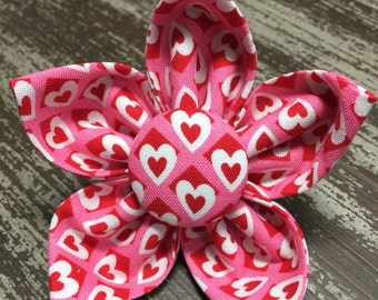 VALENTINE'S DAY Flower Collar Attachment & Accessory for Dogs and Cats / Pink and White Love Hearts