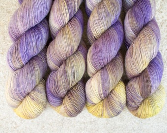Merino Single - Hand dyed - 100 grams - 366m/400yards - Lilacs