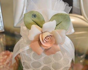 Almond favors Communion, wedding favors with capodimonte flowers, koufeta mementos, italian communion favors