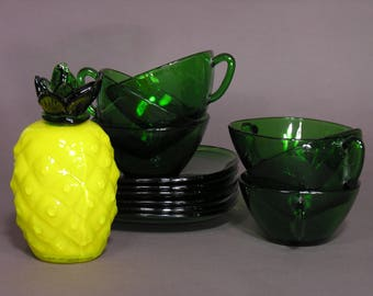 Vereco France - Set of 6 Green Glass Cups and Saucers - 1960 - Coffee / Tea Cups - Urban Jungle Greenery Trend - Kitchenware 70's Classic