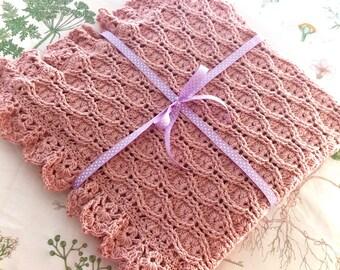 Hourglass Stitch Crochet Baby Blanket Pattern