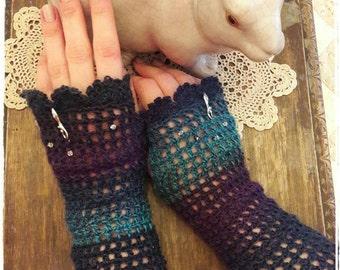 Goddess of the sea Gloves